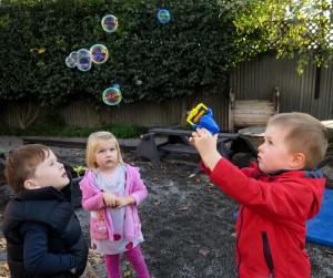 bubble-maker